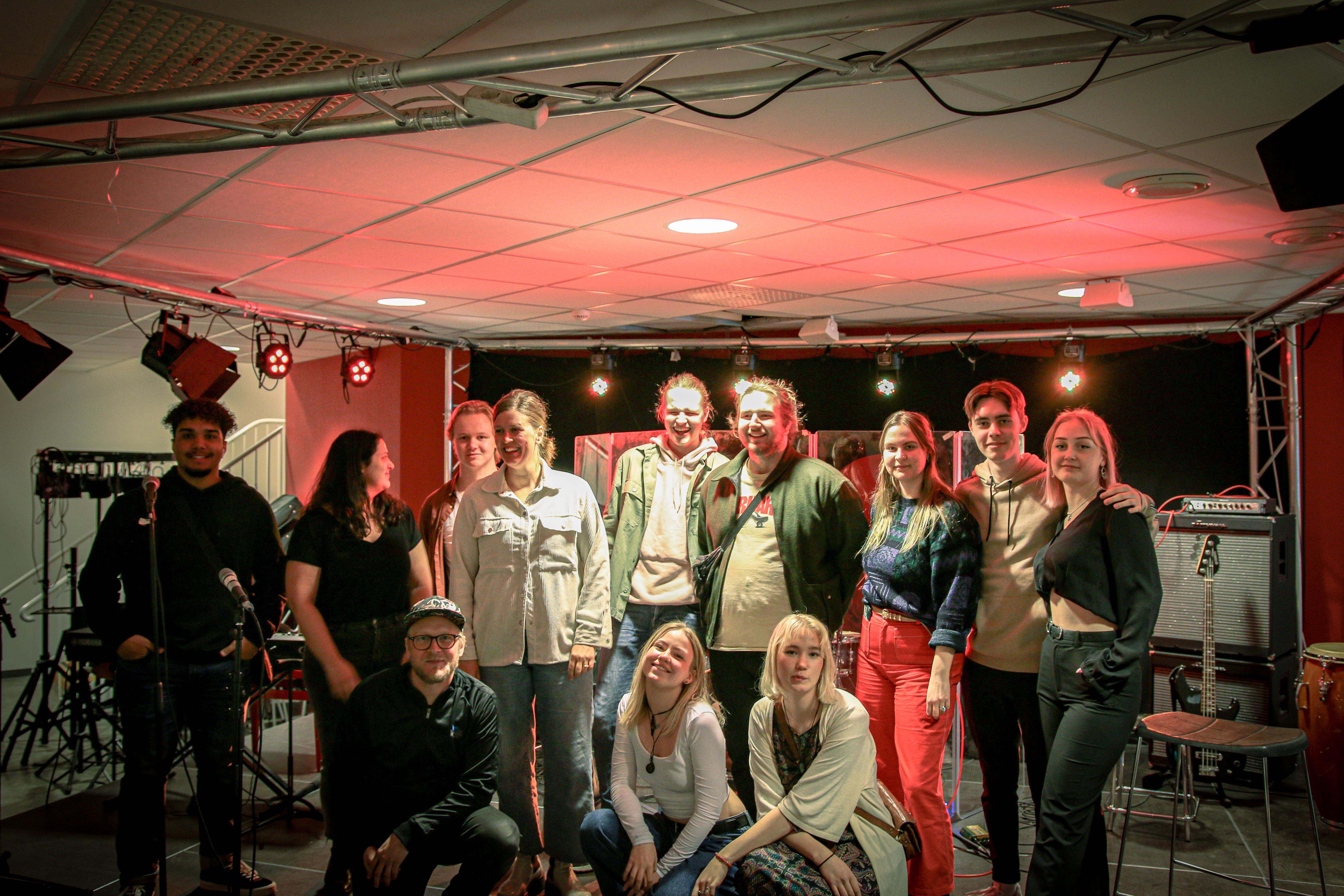 Bild på elever och lärare från Rytmus Malmö